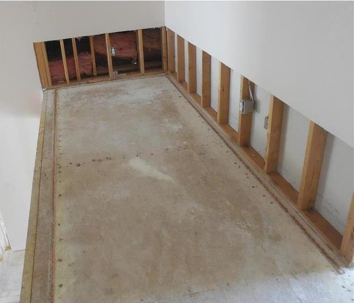 home without carpet in hallway